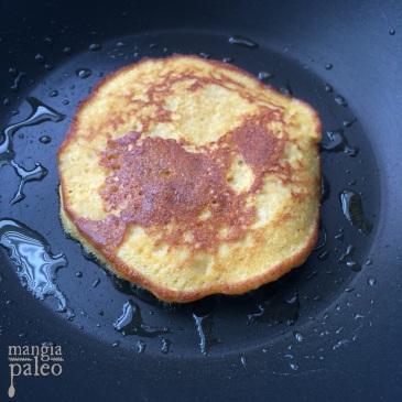 paleo-pumpkin-pancakes-fluffy
