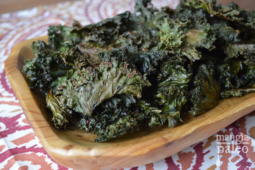 Easy Paleo Kale Chips (Video) | Mangia Paleo
